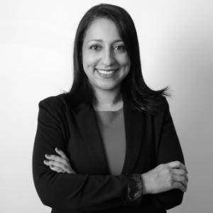 Dr. Paula Villa