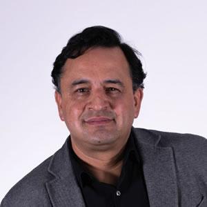 Dr. Julián González García